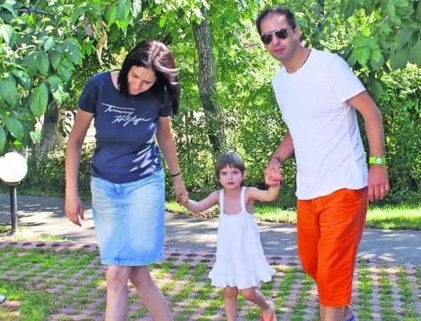 Dan Negru, pe litoralul românesc cu întreaga familie. Imagini de colecție cu copiii și soția Codruța